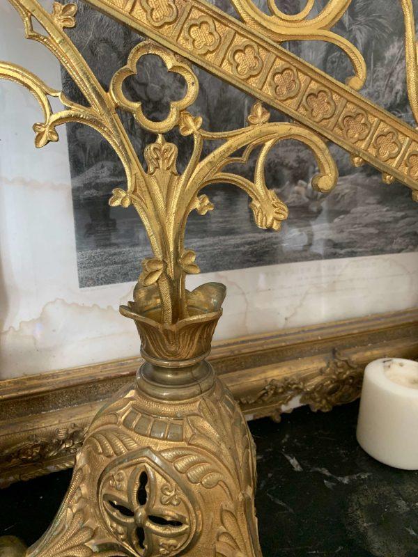 ancien candelabre d'autel en bronze et laiton chandelier eglise xixeme