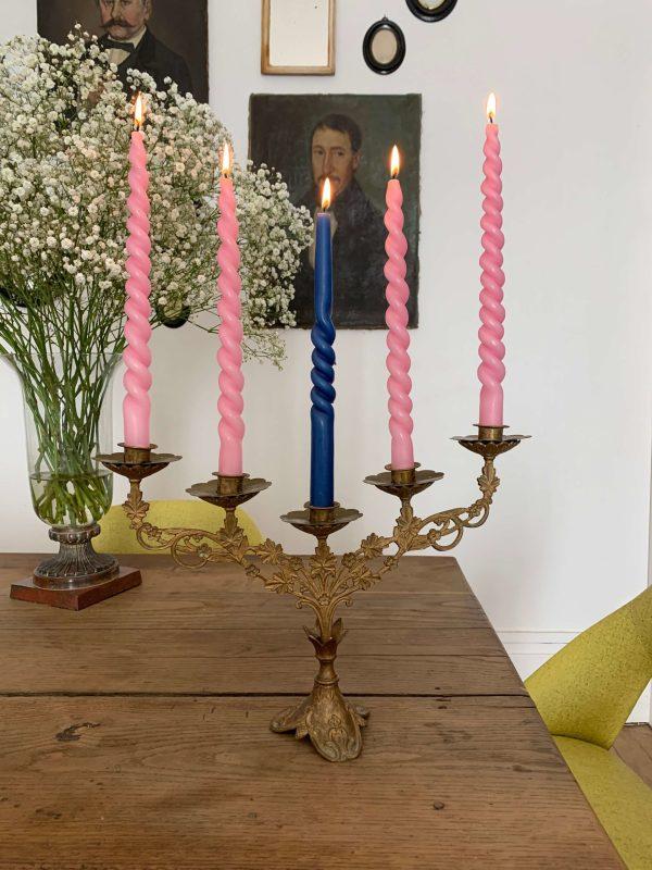 ancien chandelier en laiton fleurs