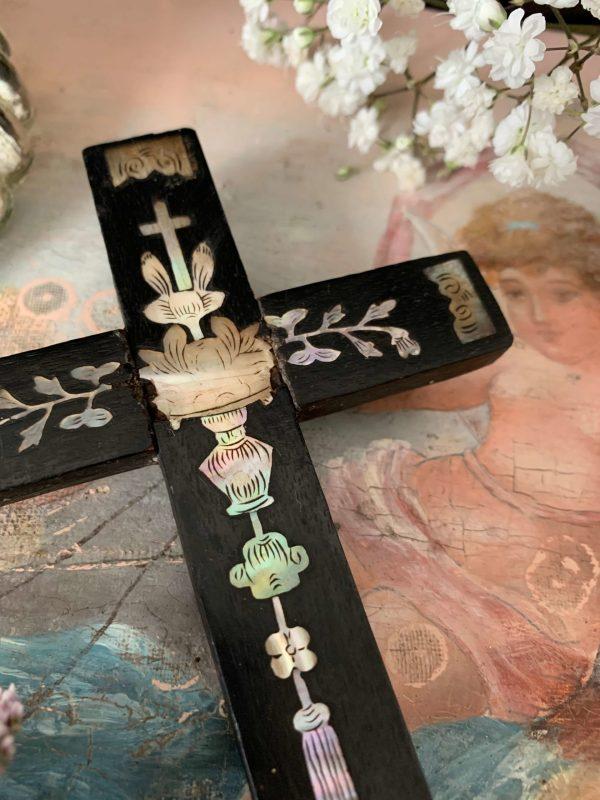 ancienne croix en bois et nacre xixeme indochine