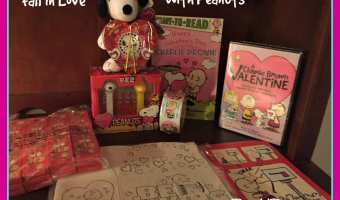 Fall in Love with The Peanuts Gang + Giveaway!! #PeanutsValentine