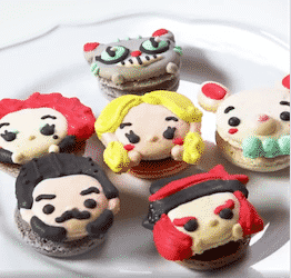Alice Through The Looking Glass Cupcakes