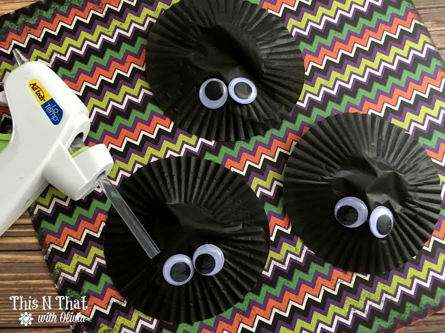 Easy Kids Spider Craft | ThisNThatwithOlivia.com