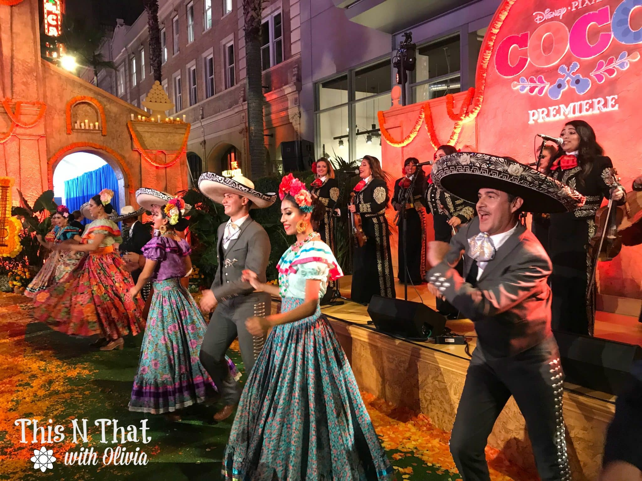 Pixar Coco Premiere Experience + Movie Review! #PixarCocoEvent