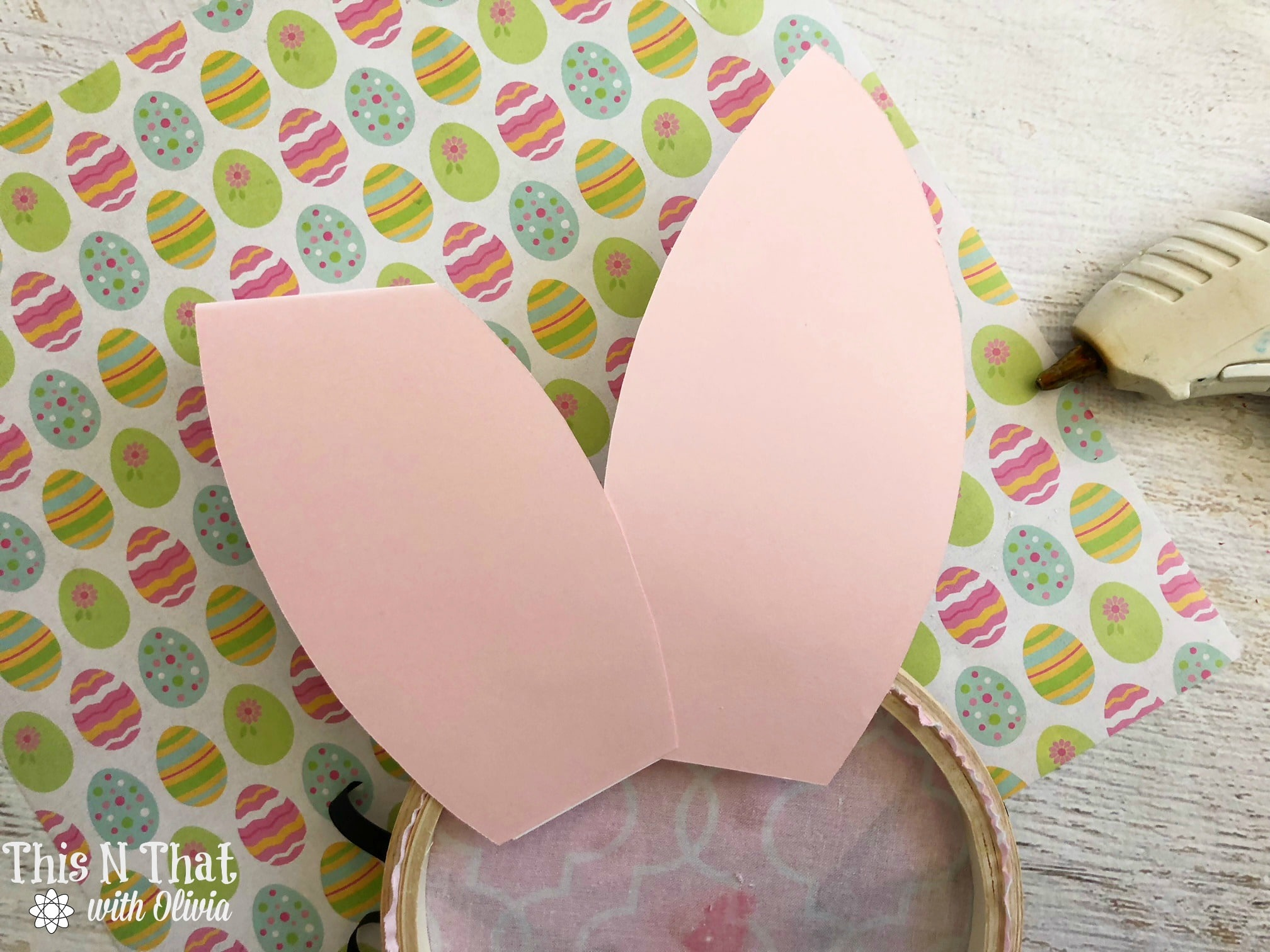 DIY Bunny Loop Craft for Easter!