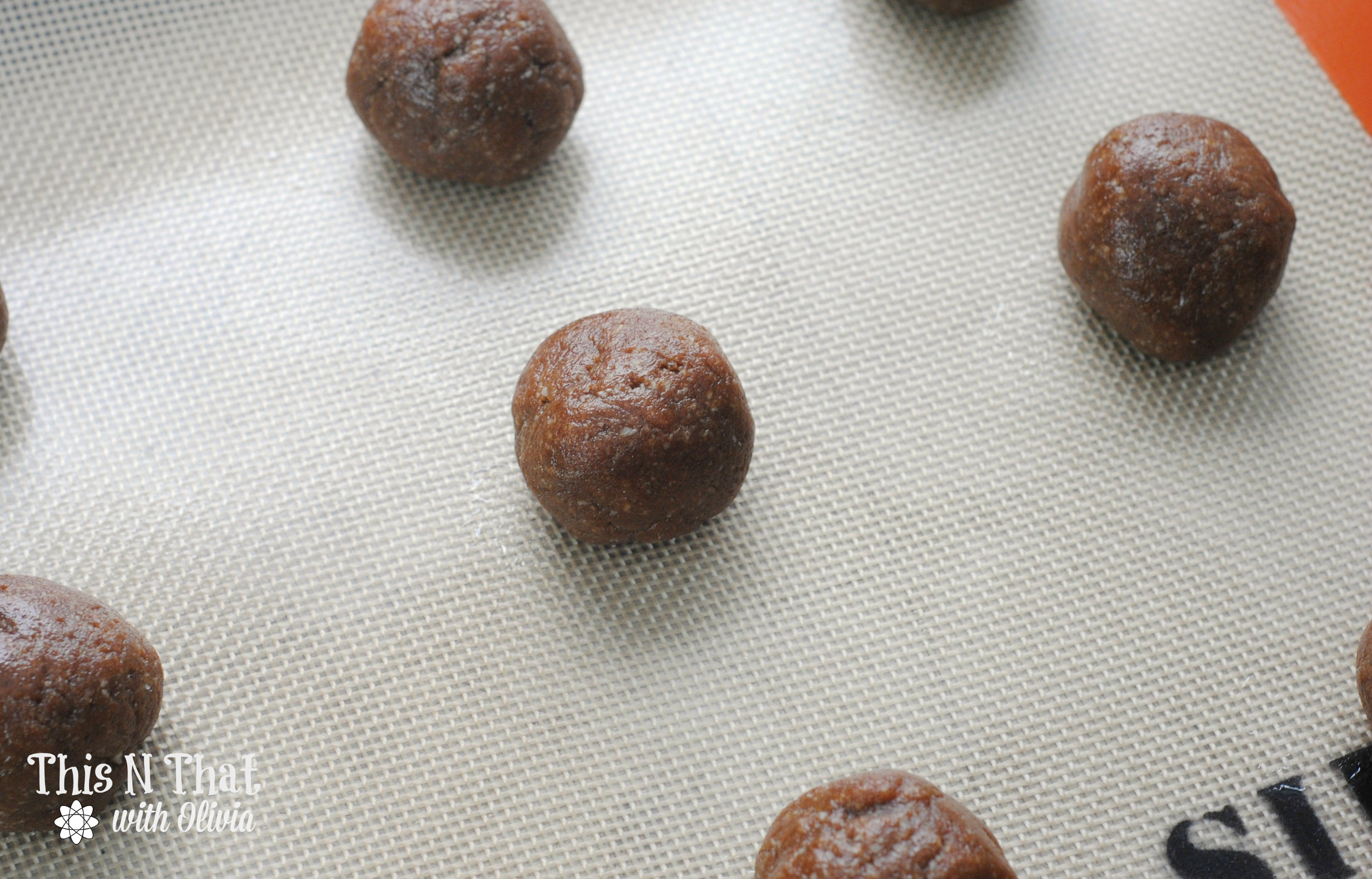 Keto Friendly Peanut Butter Chocolate Cookies