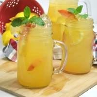 Easy & Delicious Homemade Peach Lemonade