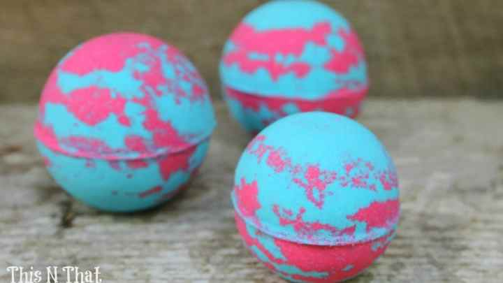 DIY Decongestant Bath Bombs