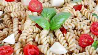 Easy Caprese Pasta Salad Recipe with Fresh Mozzarella