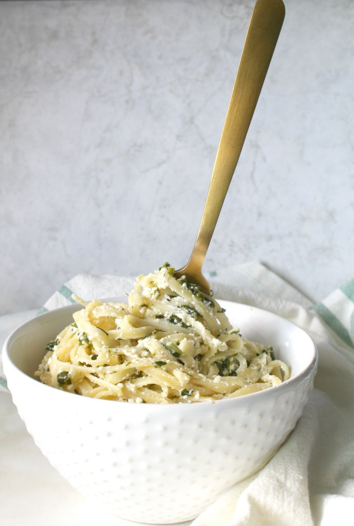 When you're craving pasta thisSimple Vegan Ricotta & Spinach Linguine will hit the spot. It requires 20 minutes and one pot to get the job done | ThisSavoryVegan.com #vegan #pasta
