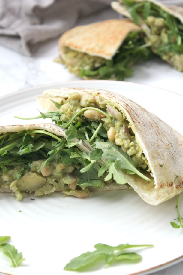 These Vegan White Bean Pesto Pitas are a creamy mixture of white beans, artichoke hearts, pesto and vegan mayo. These make a great make ahead lunch | ThisSavoryVegan.com #thissavoryvegan #mealprep #vegan