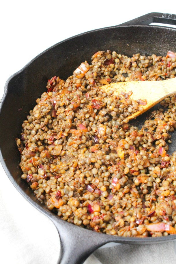 This Chipotle Lentil Taco Meat is zesty, vegan and delicious - perfect protein-packed addition to tacos, burritos and bowls   ThisSavoryVegan.com #thissavoryvegan #vegan #vegantacos