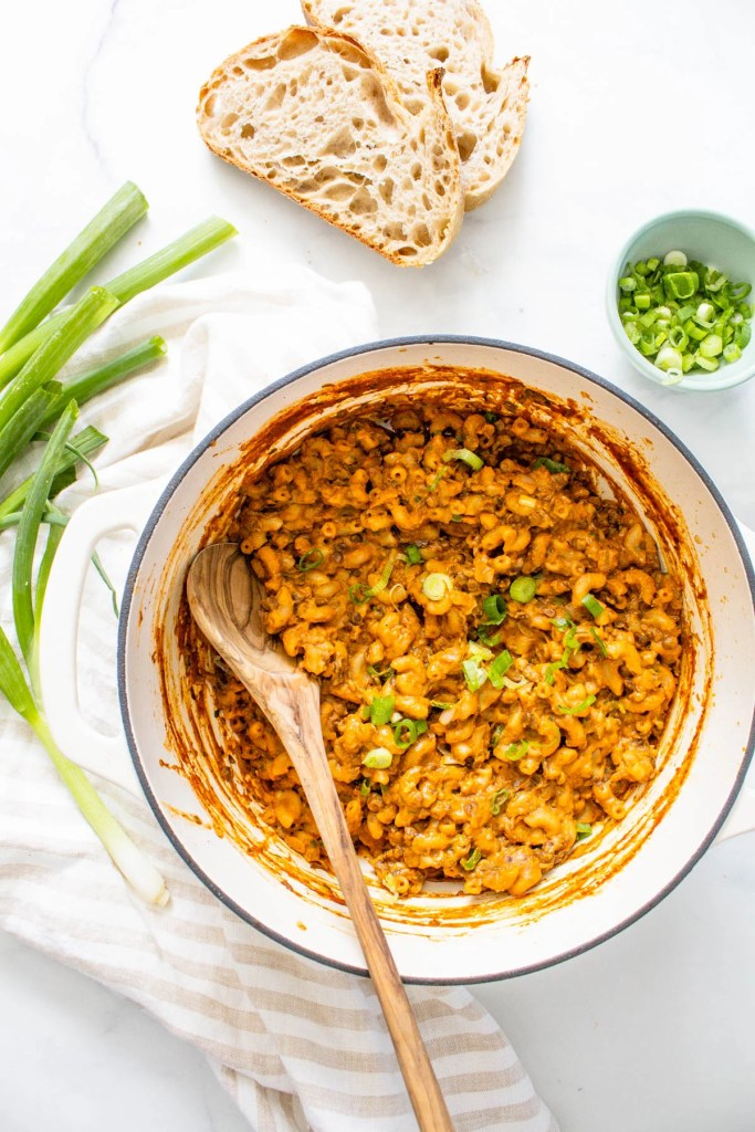 This One-Pot Vegan Hamburger Helper is 100 times tastier (and healthier) than the classic boxed dinner. Made with lentils for plenty of fiber and protein | ThisSavoryVegan.com #thissavoryvegan #vegan #hamburgerhelper