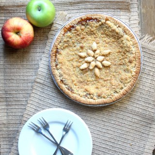 The BEST Apple Crumble Caramel Pie
