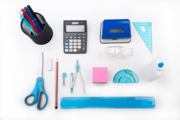 Top hacks to save money on back to school shopping. #backtoschool #backtoschoolshopping #backtoschooltips #backtoschoolshoppingtips #savemoneybacktoschool #budgetbacktoschool #shoppingbacktoschoolonabudget