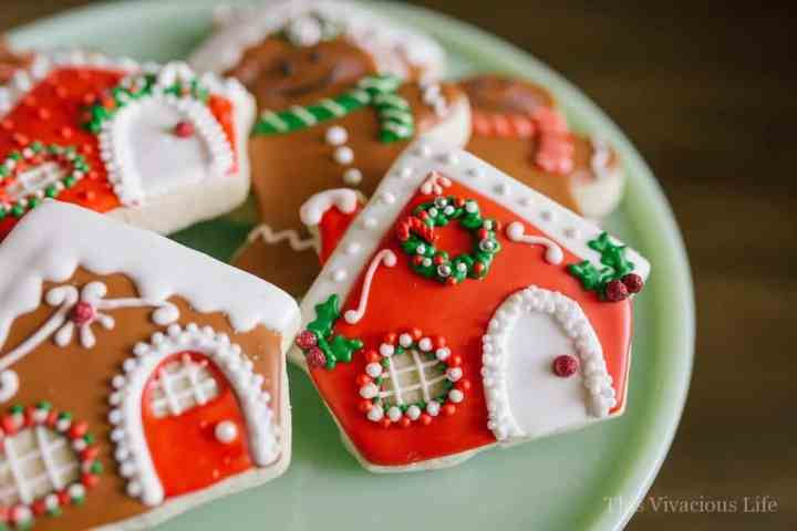 This gingerbread decorating party is sure to give all your guests more holiday spirit. It is full of fun and easy ideas to make your own gingerbread houses and so much more!