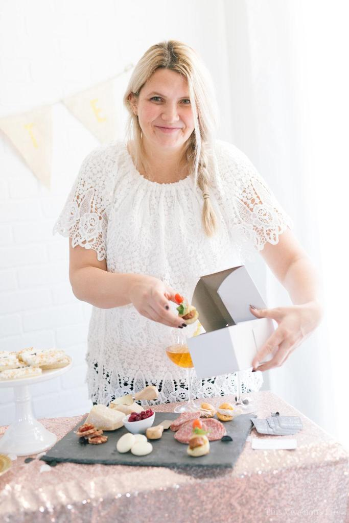This clean slate New Years Eve party is bright and fun with a touch a slate black beauty.   gluten-free NYE party   gluten-free party desserts   gluten-free party appetizers   easy NYE party ideas   NYE party decor    This Vivacious Life #NYEpartyideas #partyappetizers #partyappetizers
