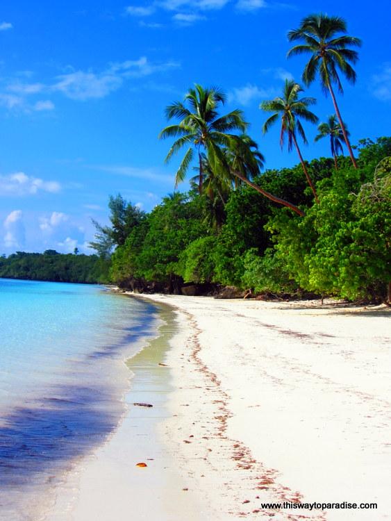Kai Island beach