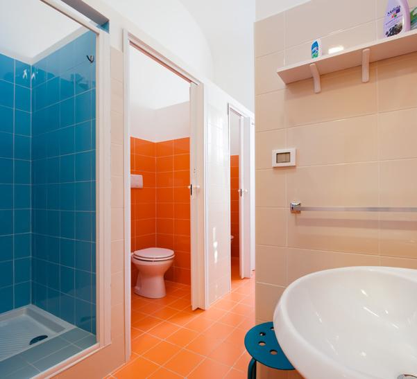 bathroom hostel in palermo