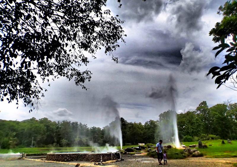 Sankampaeng Hot Springs