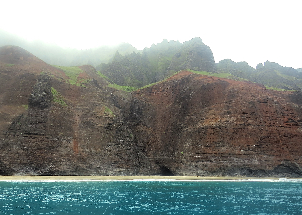 17 Photos That Will Have You Booking A Trip To The Na Pali Coast