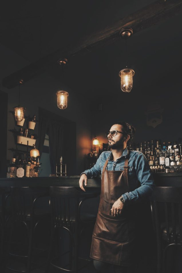 Semo Amirpour in der Bar The Old Jacob in Bonn