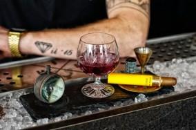 Drink in der Bar Imperii in Leipzig