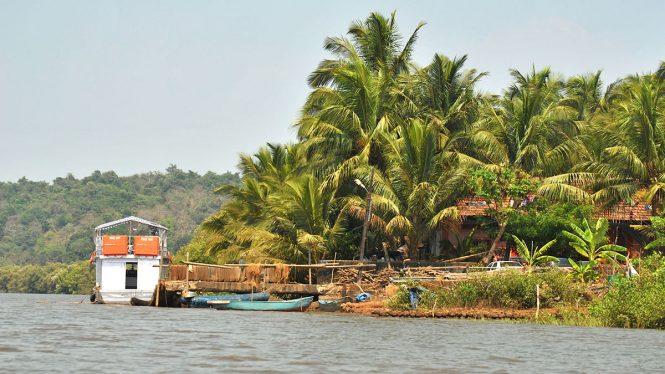 Images Source: http://images.goroadtrip.com/blogs/134/Chorao-Island.jpg