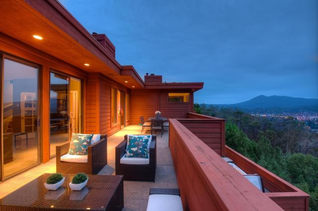 378 Margarita in the Country Club Neighborhood Sold by Thomas Henthorne photo of deck and Mt. Tam in distance