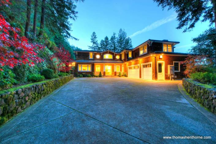 Entry drive of 8 Woodland Place Kentfield at dusk