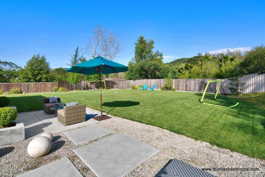 65 Los Ranchitos Lawn with soccer goals