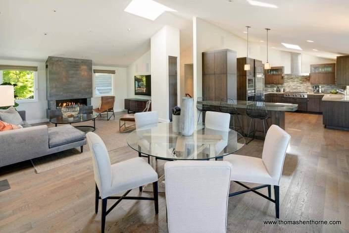 Amazing open floor plan with high ceilings!