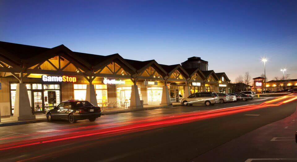 Vintage Oaks Shopping Center dusk