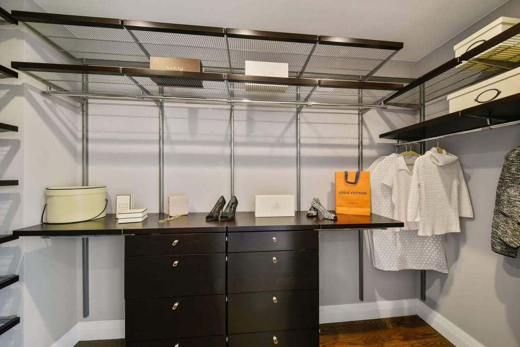 Large walk in closet modern design wire shelving