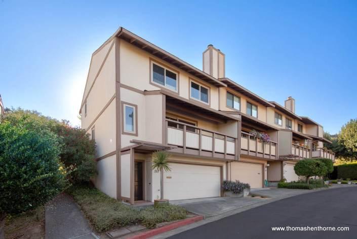Green Oaks San Rafael Town Home Complex