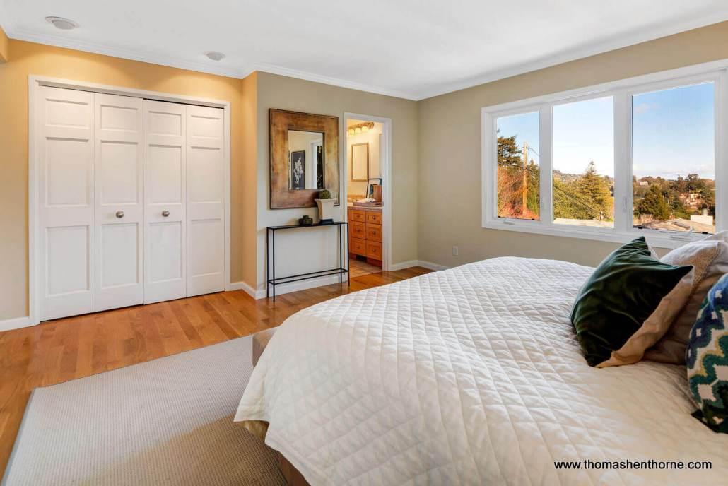 Master Suite with En Suite Bathroom