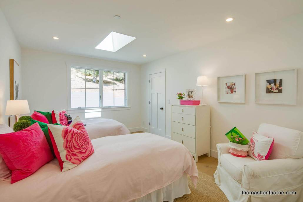 Bedroom with skylight and two twin beds