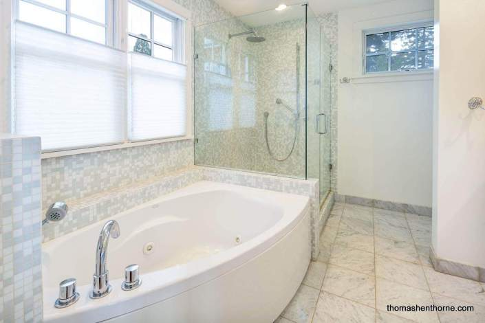 jetted tub at 195 San Francisco Blvd San Anselmo