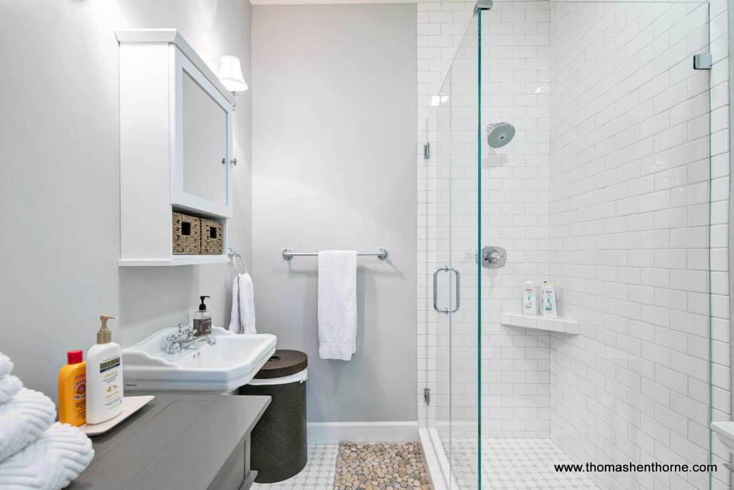 Shower with glass surround