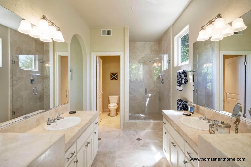 luxury home master bathroom