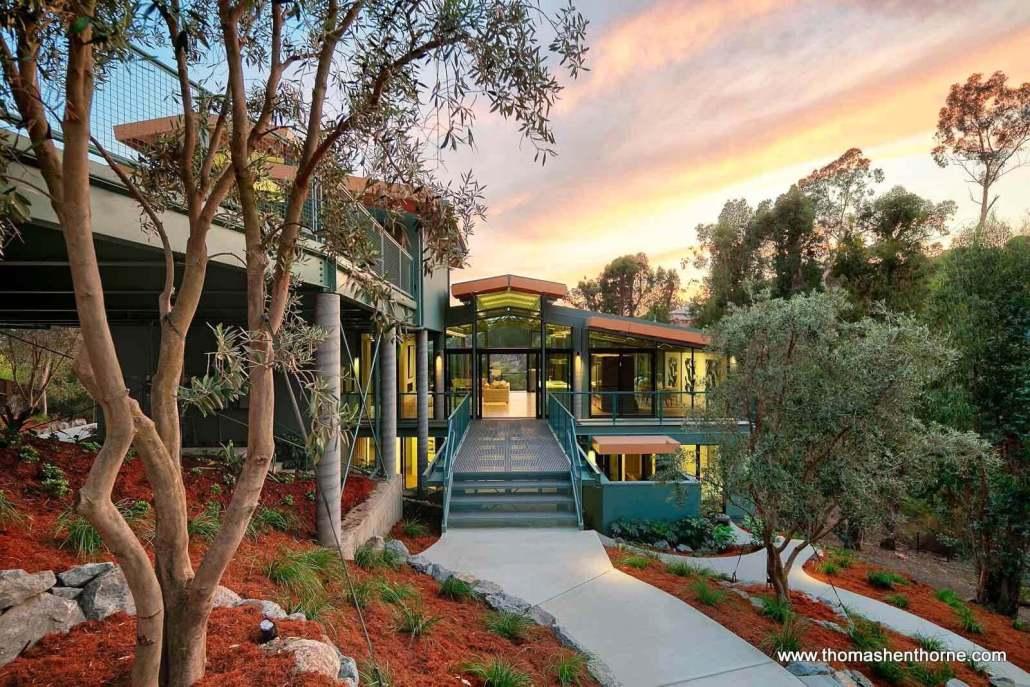 garden of luxury home