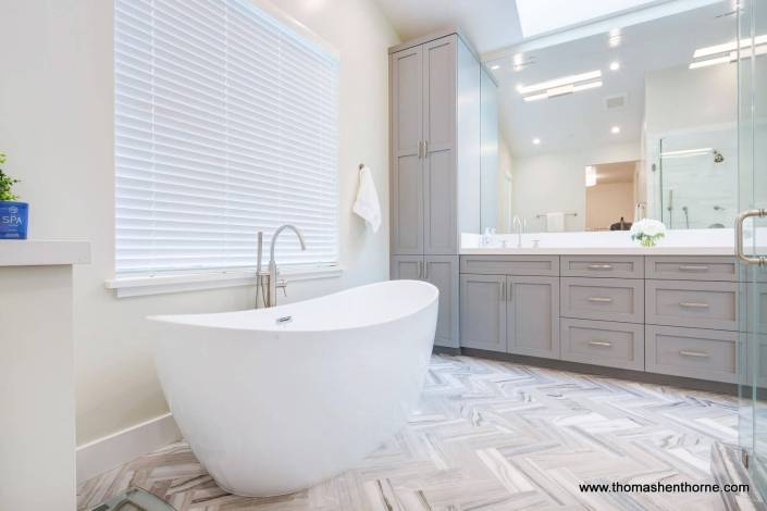 high end bath tub