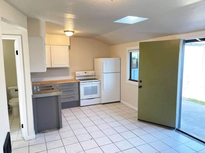 3005 Maryanna Drive Unit 3 kitchen