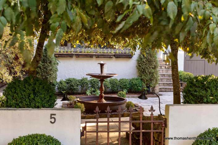 5 Norwood Ross courtyard through gate