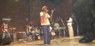 Natremy au concert des 20 ans à Ouagadougou (photo Bruno Jaffré)