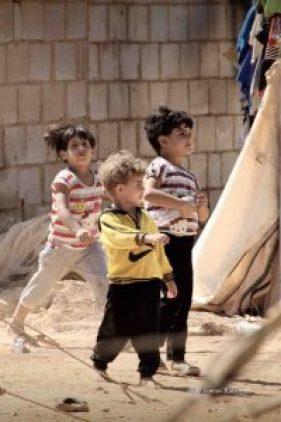 Syrian children in Jordan © Tom Rübenach