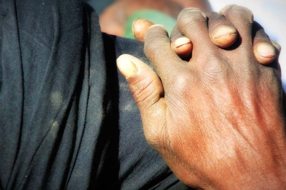 Afrikanische Hände © Tom Rübenach