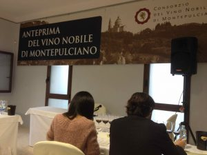 Vino Nobile di Montepulciano  et Vernaccia di San Gimignagno