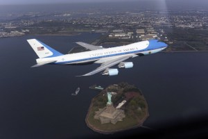 Air_Force_One_flyover