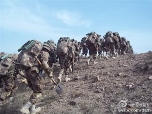 Chines_troops_desert