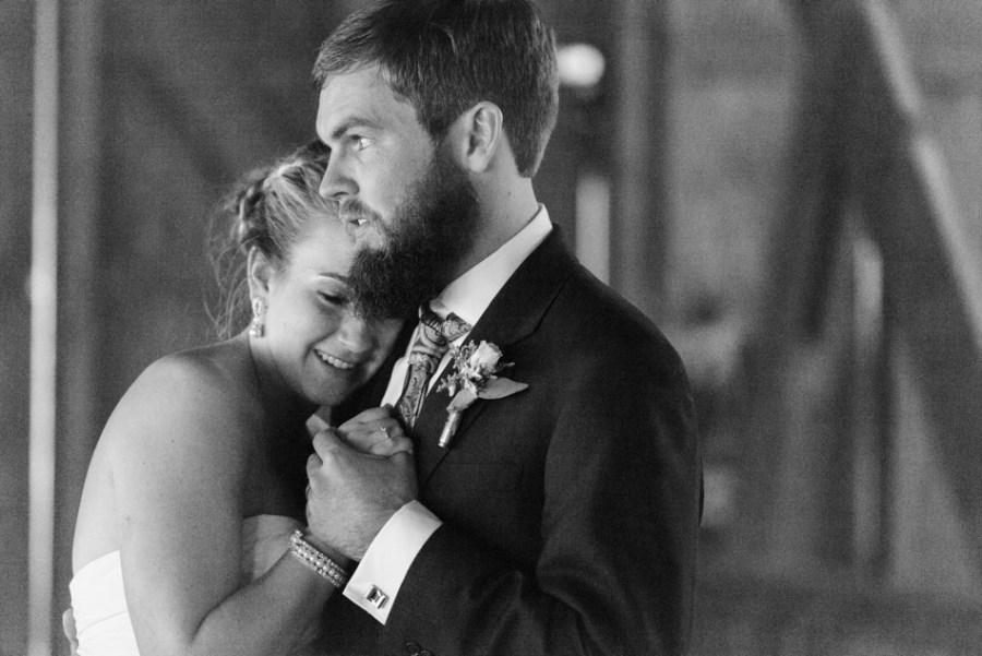 ann arbor wedding photographer barn - ld --082
